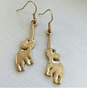 Cute elephant earrings!